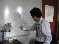 https://sites.google.com/a/neurocienciaperu.org/laboratorio-de-neurociencias/galeria-de-fotos/LABNEURO_Pitot_pizarra.jpg